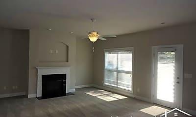 Living Room, 170 Montauk Dr, 1