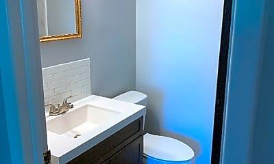 Bathroom, 163 Charles St, 2