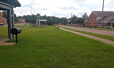 Victor Tulane Gardens, 2