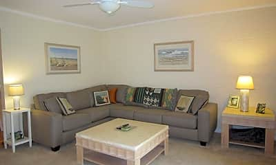 Living Room, 56 Linden Ct, 1