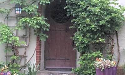 Building, 635 Oakhurst Rd, 0