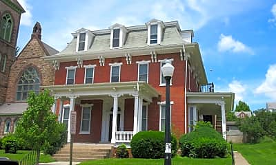 Building, 135 W Linn St, 0
