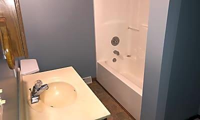 Bathroom, 430 S 5th St, 2