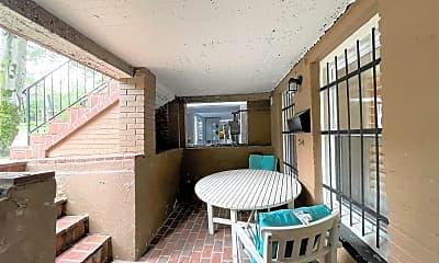 Patio / Deck, 918 6th St NE, 1