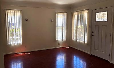 Living Room, 808 E Garfield Ave, 1