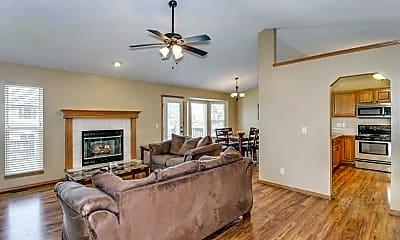 Living Room, 1018 E Pembrook Rd, 0