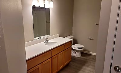 Bathroom, 3675 River Rd N, 2