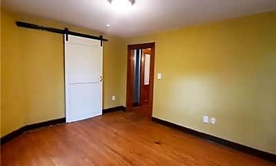 Bedroom, 1300 Holly Ave B, 1