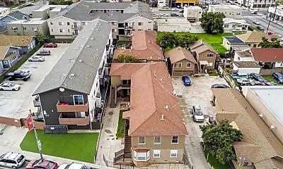 Building, 933 Alamitos Ave, 1