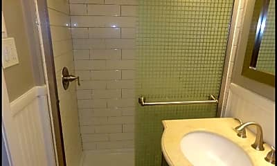 Bathroom, 1408 Starfield, 2