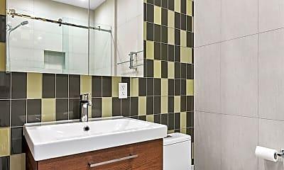 Bathroom, 118 E Lafayette St, 2