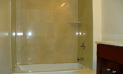 Bathroom, 2927 N Southport Ave, 1