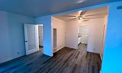 Living Room, 4269 1/2 Degnan Blvd, 1