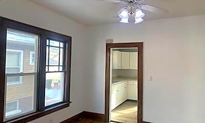 Living Room, 740 E Arcadia Ave, 2