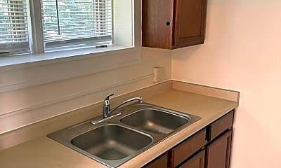 Kitchen, 917 N 26th St, 1