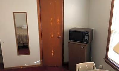 Bedroom, 26237 Forest Blvd N, 1