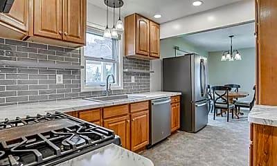 Kitchen, 5935 Blackstone Dr, 1