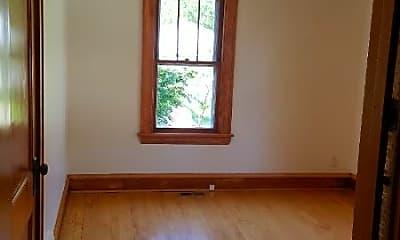 Bedroom, 4409 Nokomis Ave, 2