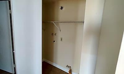 Bathroom, 1226 S Cypress Ave, 2