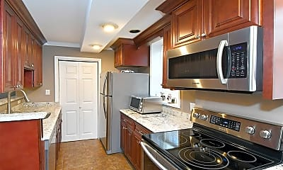 Kitchen, 36 Barstow Rd LB, 1