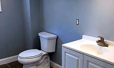 Bathroom, 464 Wickenden St, 2