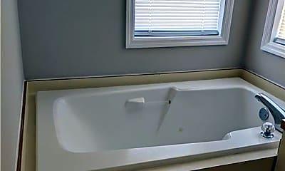 Bathroom, 979 Stewarts Creek Dr 15, 2