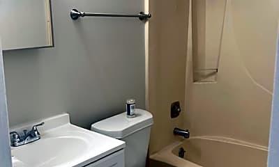 Bathroom, 635 Kennedy Dr, 2