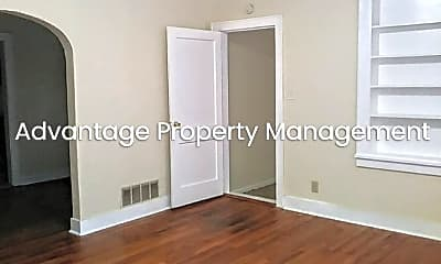 Bedroom, 2616 Arlington Ave, 1