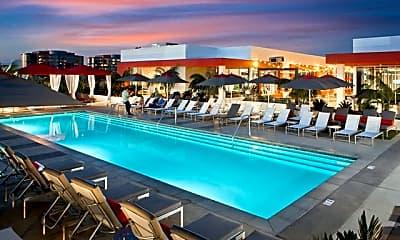 Pool, The Marke, 0