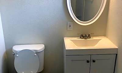 Bathroom, 1365 Magnolia Ave, 2