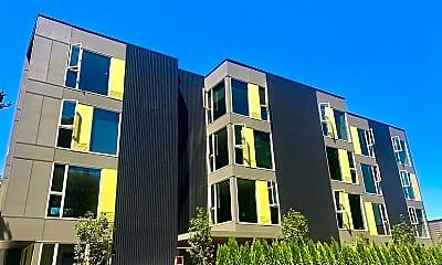 Building, 1313 SE Lambert St, 2
