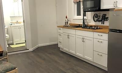 Kitchen, 11459 Broadview Dr, 1