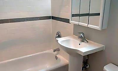 Bathroom, 430 S Grand Blvd, 1