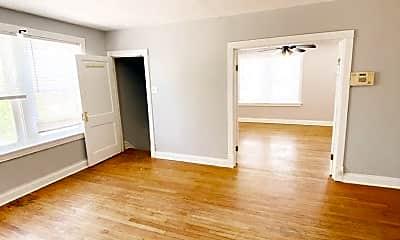 Living Room, 3901 Iowa Ave, 0