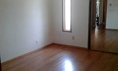 Bathroom, 1019 Pomona St W, 2