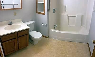 Bathroom, 607 W Michigan Ave, 2
