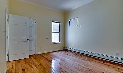Bedroom, 89 Walnut St 1, 2