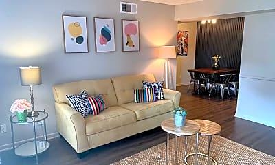 Living Room, 700 Dominik Dr, 2