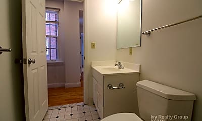 Bathroom, 15 River St, 2