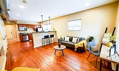 Living Room, 601 S 31st Ave, 1