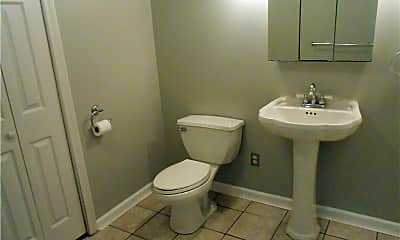 Bathroom, 11 Cranberry Hollow 11, 2