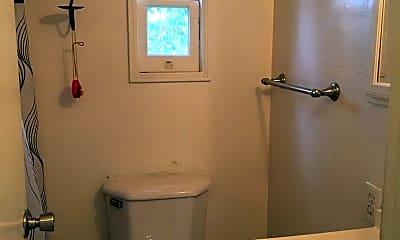 Bathroom, 815 Vista Way, 2