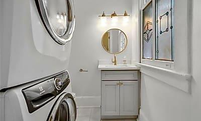 Bathroom, 135 N Clark St, 2
