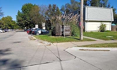 Prairie Glen East Townhouses, 1