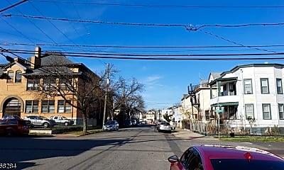 184 Columbia Ave 1, 1