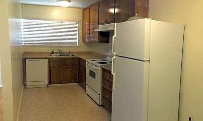 Kitchen, 3670 Greenlee Dr, 2
