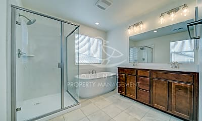 Bathroom, 638 Valencia St, 2