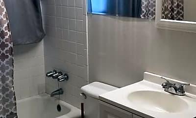 Bathroom, 204 Woodland Cir, 2