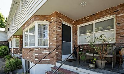 Patio / Deck, 50 Northshore Rd, 1
