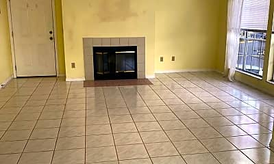 Living Room, 709 Youngstown Pkwy, 1